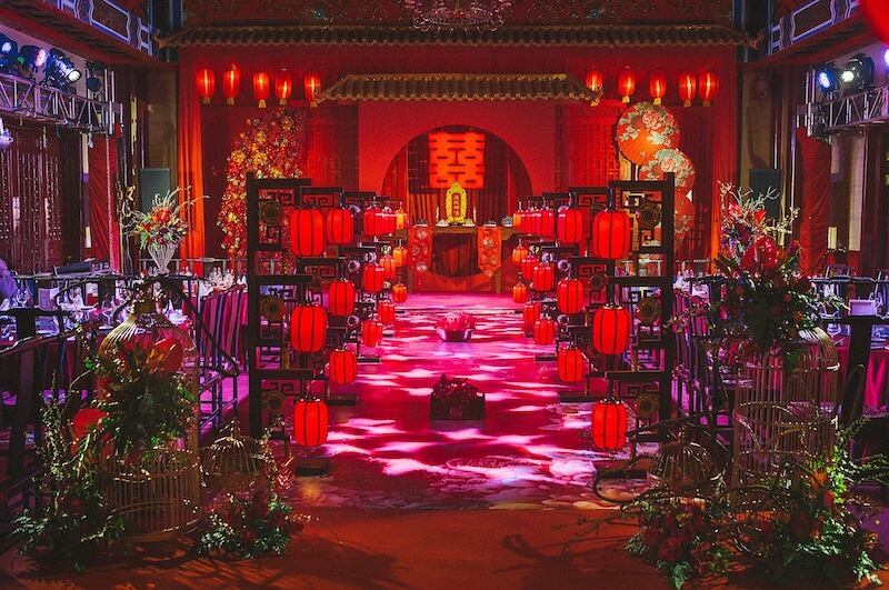 Boda china con decoración de color rojo